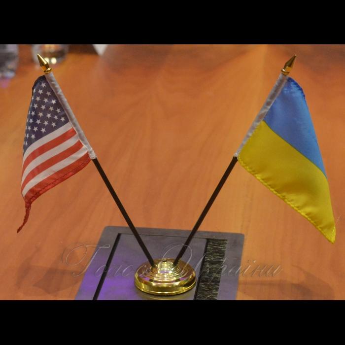 12 листопада 2018 зустріч Голови  Верховної Ради України Андрія Парубія з міністром енергетики США Ріккі Перрі.