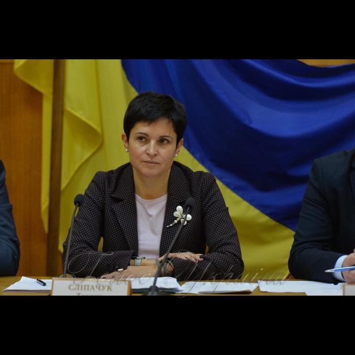 13 листопада 2018 пресконференція у ЦВК присвячена 21-річчю з дня створення Центральної виборчої комісії. Голова ЦВК Тетяна Сліпачук.