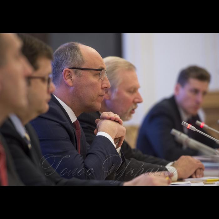 20 листопада 2018 зустріч Голови Верховної Ради України Андрія Парубія зі співдоповідачами комітету з питань дотримання обов'язків і зобов'язань державами-членами Ради Європи Парламентської Асамблеї Ради Європи Джемою Гроздановою та Альфредом Хеєром.