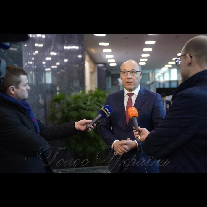 13 грудня 2018 офіційний візит Голови Верховної Ради України Андрія Парубія до Республіки Корея. Зустріч з Прем'єр-міністром Республіки Корея Лі Нак-Йон.