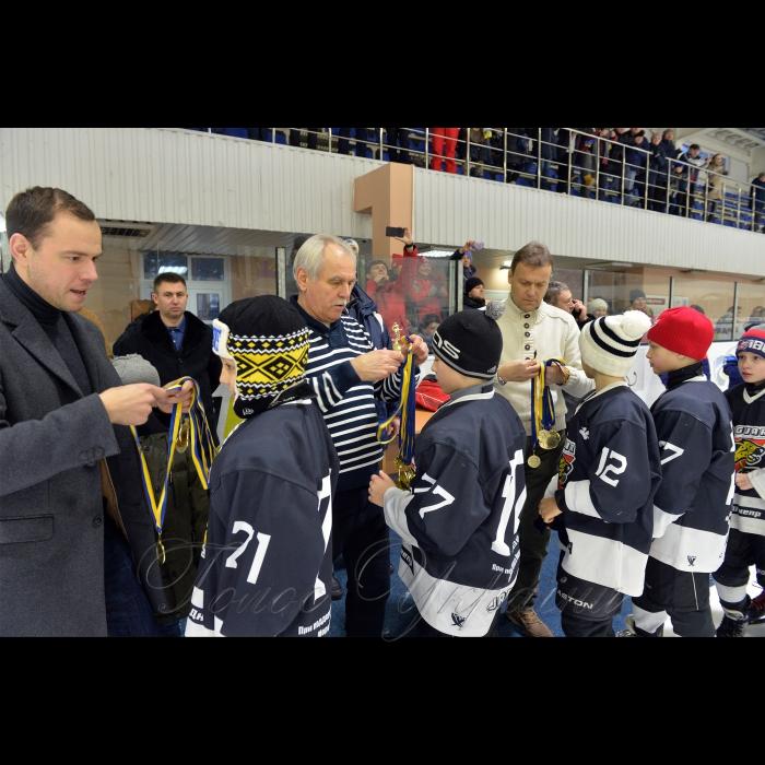 27-29 грудня 2018 у місті Києві на льодовій арені по вулиці Шалетт,6 відбулися матчі VI міжнародного турніру з хокею з шайбою пам'яті Валентина Павловича Уткіна.