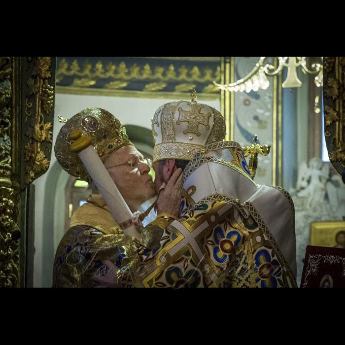 5-6 січня 2019 робочий візит Голови Верховної Ради України Андрія Парубія до Турецької Республіки. Участь Голови Верховної Ради України А.Парубія у Церемонії освячення води в Патріаршому Храмі Св.Георгія та  у затоці «Золотий Ріг». Церемонія вручення Томосу. Божественна Літургія (Спільне відправлення Вселенським Патріархом Варфоломієм і Митрополитом Епіфанієм).