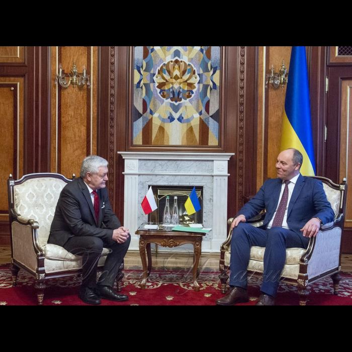 23 січня 2019 зустріч Голови Верховної Ради України Андрія Парубія з Надзвичайним і Повноважним Послом Республіки Польша Яном Пєклом.