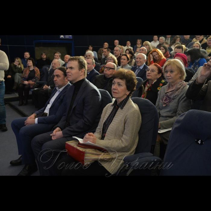28 січня 2019 вшанування пам'яті першого космонавта України Леоніда Каденюка. Дружина космонавта Віра Юріївна і син Дмитро.