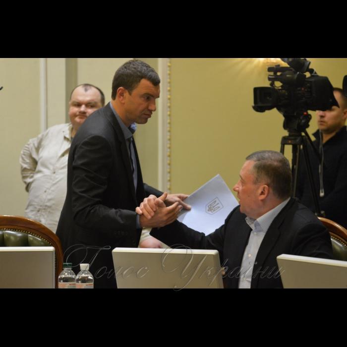 4 лютого 2019 погоджувальна Ради у Верховній Раді України. Андрій Іванчук (НФ), Ярослав Дубневич (БП).