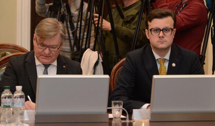 18 березня 2019 засідання погоджувальної ради у Верховній Раді України. Григорій Немиря (Б), Віктор Галасюк (РП).