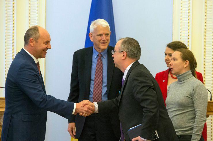 12 квітня 2019 відбулася зустріч Голови Верховної Ради України Андрія Парубія з делегацією Атлантичної Ради на чолі з Стівеном Пайфером.
