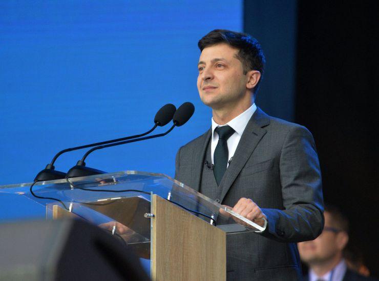 19 квітня 2019 дебати на НСК «Олімпійський» кандидатів у президенти України Петра Порошенка і Володимира Зеленського.