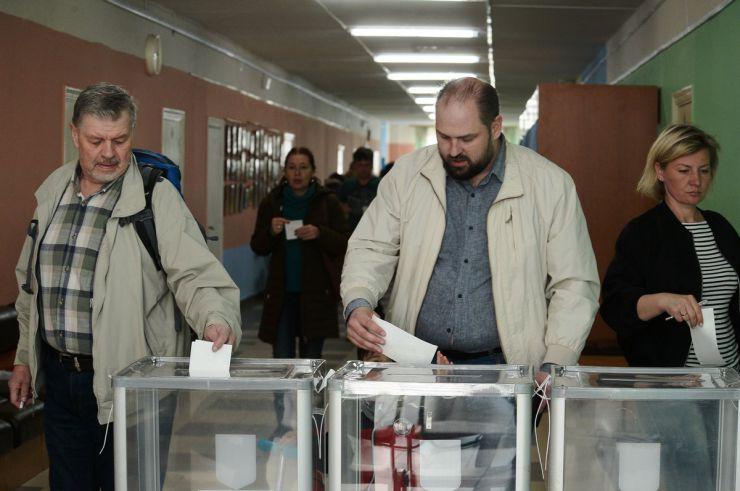 21 квітня 2019 вибори президента України. 2-й тур. Київ. 212 вибочий округ 800132 виборча дільниця 1943 голосування на дому.