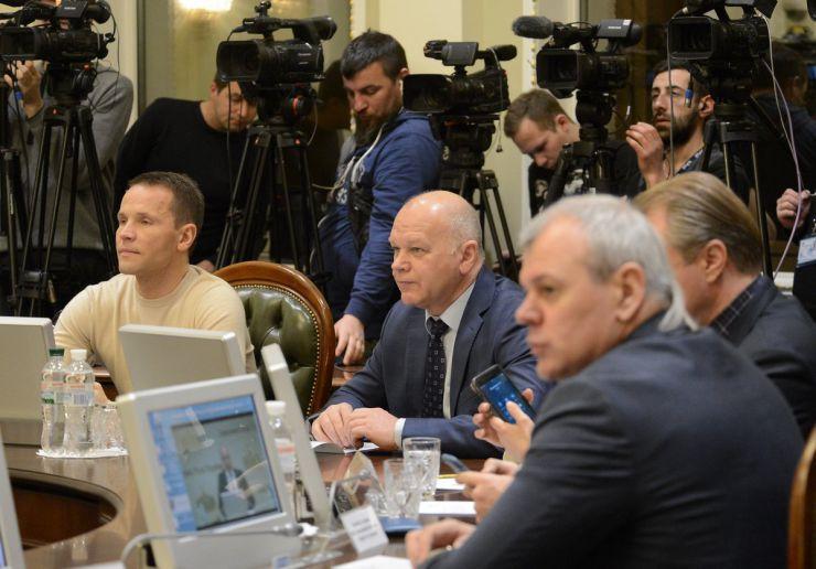 22 квітня 2019 засідання погоджувальної ради у Верховній Раді України. Юрій Дерев'янко та Михайло Довбенко (БП).