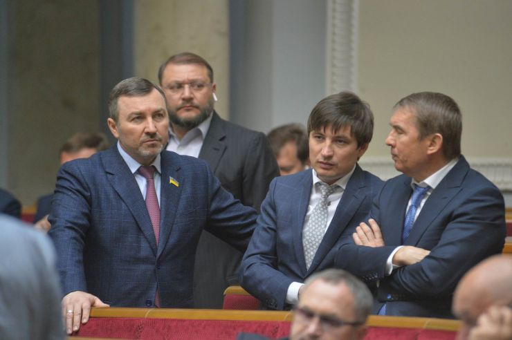 23 квітня 2019 пленарне засідання Верховної Ради України. Парламент перейшов до розгляду проекту Закону про забезпечення функціонування української мови як державної (№ 5670-д), розгляд якого у другому читанні було розпочато 28 лютого.