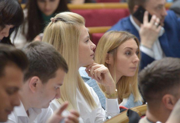 19 вересня 2019 пленарне засідання Верховної Ради України. Аліна Загоруйко, Юлія Гришина СН.