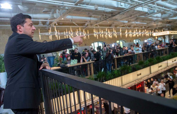 Прес-марафон з Президентом України Володимиром Зеленським. Глава держави відповідатиме на запитання журналістів протягом усього дня. Місце проведення: Kyiv Food Market