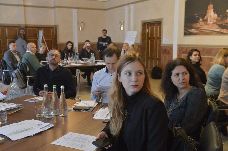 Стратегічна сесія з планування парламентських комунікацій.