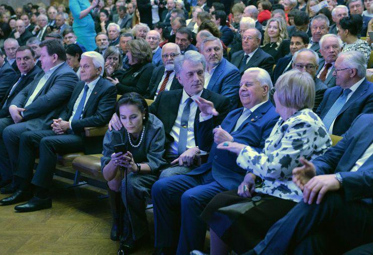 Відзначення 185-річчя Київського Національного університету ім Шевченка. Литвин, Ющенко, Кравчук,