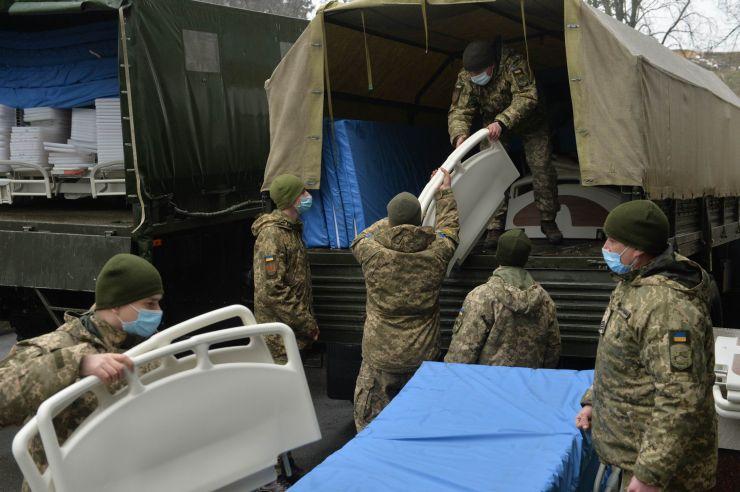 У Національному військово-медичному клінічному центрі «Головний військовий клінічний госпіталь» відбулася передача чергового гуманітарного вантажу медичного призначення на загальну суму понад 2 млн гривень
