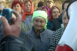 Жителі села Віліно Бахчисарайського району Кримської автономії звернулися по допомогу до Володимира Литвина у розв'язанні їхнього питання по земельних ділянках.