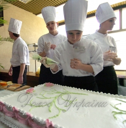У Київському палаці дітей та юнацтва відкрито Ярмарку професій.