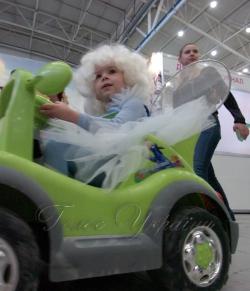 У столичному міжнародному виставковому центрі (Броварський пр-т, 15) відкрито IX Спеціалізовану виставку «Весілля.