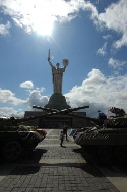Напередодні Дня Перемоги в меморіальному комплексі «Національний музей Великої Вітчизняної війни 1941-1945 років» зустрілися однополчани, земляки київських земляцтв.