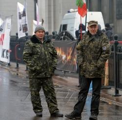 Мітингувальники біля Верховної Ради України. Продовжується акція