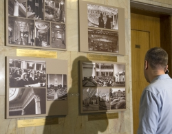 В кулуарах першого поверху будинку Верховної Ради України відкрилася постійно діюча виставка «Архітектура будинку Верховної Ради України»