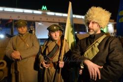 29 січня 1918 року поки йшов бій під Крутами, у Києві більшовики організували збройний  заколот. Він охопив Шулявку, Залізничний вокзал, Деміївку, Поділ.