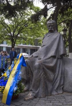 Коротка церемонія покладання квітів Головою Верховної Ради України А.Парубієм до пам'ятника Т.Г.Шевченку