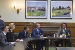 Голова Верховної Ради Андрій Парубій перебуває з візитом у Сполученому Королівстві Великої Британії та Північної Ірландії.  Зустріч з Міністром Збройних сил Великої Британії Марком Ланкастером
