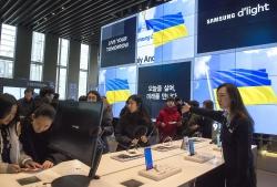 Голова Парламенту ознайомився з експозиціями Виставкового центру Samsung
