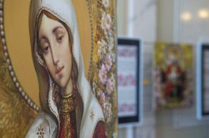 У ВР України відкрилась виставка ікон-картин Олександра Охапкіна