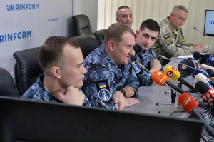 Прес-конференція звільнених моряків