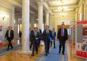 Зустріч Голови Верховної Ради України Дмитра РАЗУМКОВА з Комісаром ЄС з політики сусідства та переговорів щодо розширення Олівером Варгеї