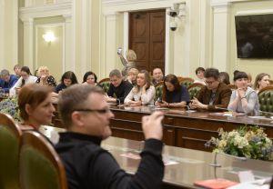 Традиційна зустріч у рамках проекту Книжковий клуб Верховної Ради України «Саміт з книгою». Цього разу пролунали вірші у виконанні авторів.