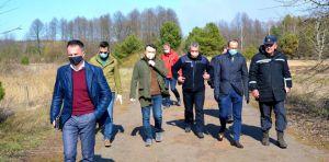 Народні депутати України відвідали оперативний штаб із ліквідації наслідків пожежі в Чорнобильській зоні відчуження та зоні безумовного відселення в Народницькому районі Житомирщини