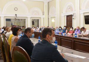 Председатель Верховной Рады Украины Дмитрий Разумков вручил награды ПО СЛУЧАЮ ДНЯ МЕДИЦИНСКОГО РАБОТНИКА