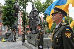 Председатель Верховной Рады Украины возложил цветы к памятнику Пилипу Орлику по случаю Дня Конституции