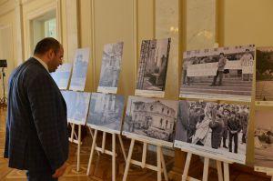 В Верховной Раде Украины экспонируется фотовыставка